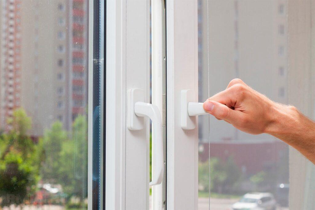 Открыть окна после уничтожения клопов в квартире